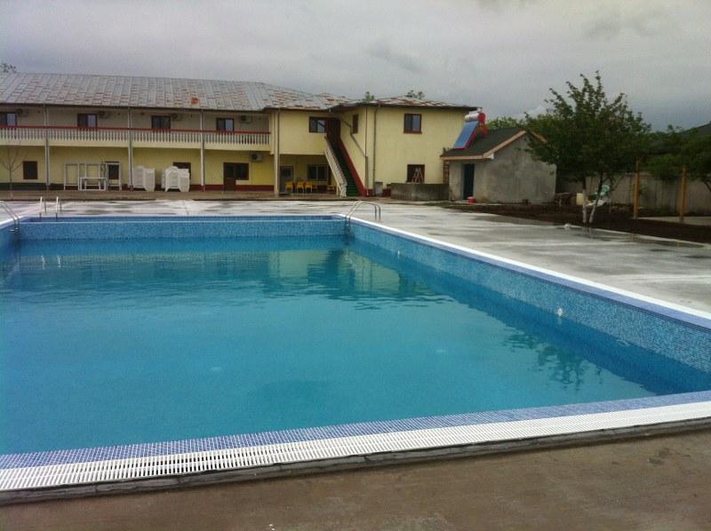 Constructia piscinei clasic bragadiru ilfov for Constructii piscine