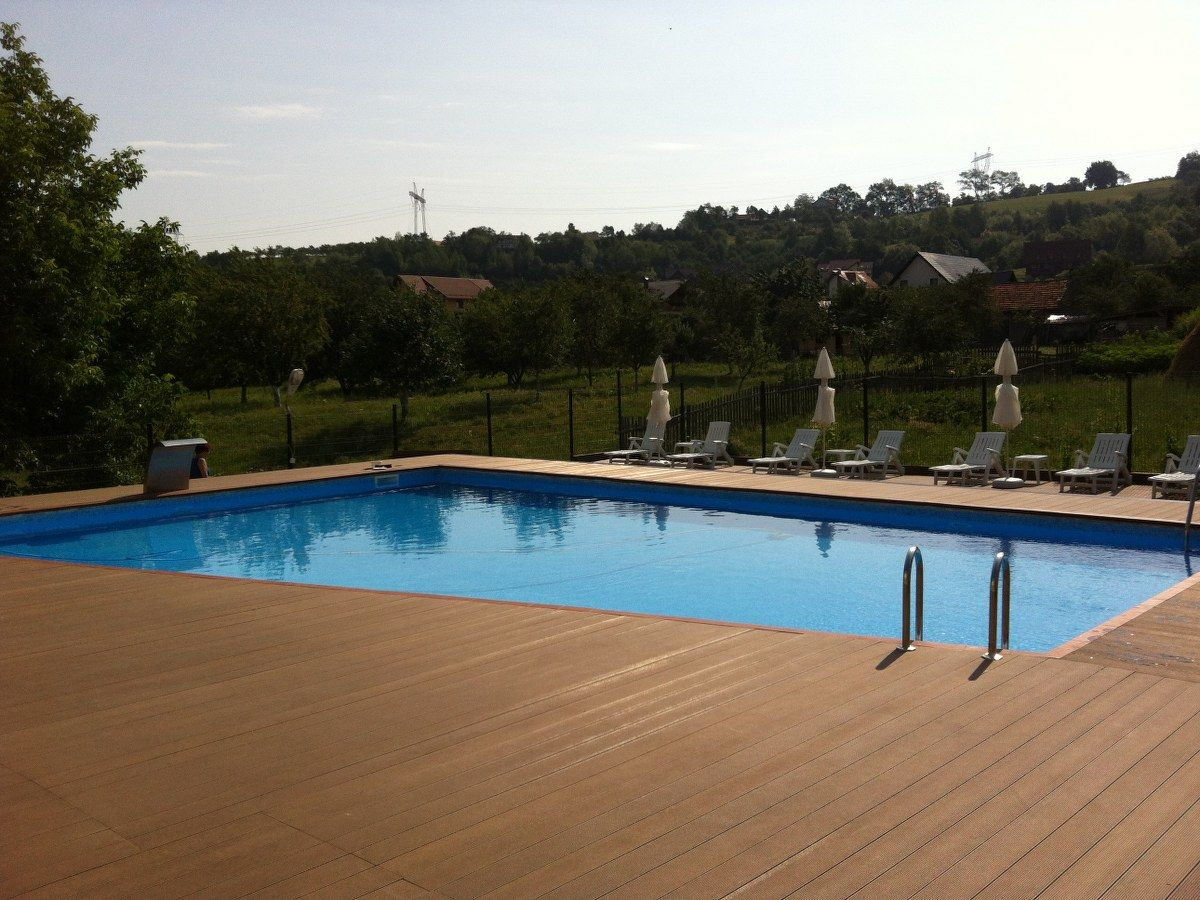 Renovare cu liner bran brasov holiday villas hotel for Construim piscine