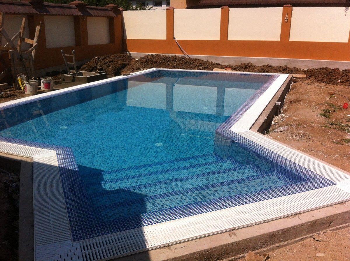 Constructia piscinei elisa chiajna rosu ilfov for Piscine 42 php